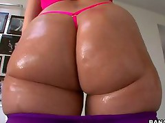 Ms. Paige Turnah -  Bubble booty of English Chick