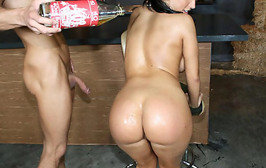 Busty brunette Ricki White gets a 40 poured on her big ass