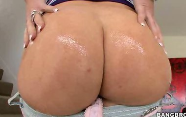 Anal Ass Action! Feat. Big booty Krissy Lynn